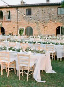 Infinito Amore floral wedding decorations